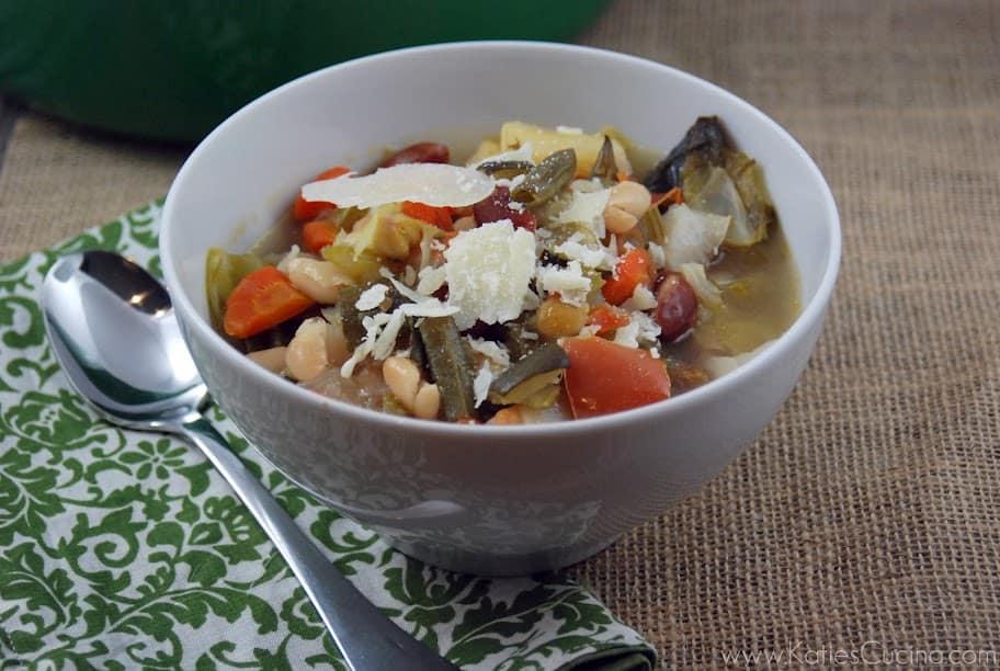 [Carabbas} Minestrone Soup