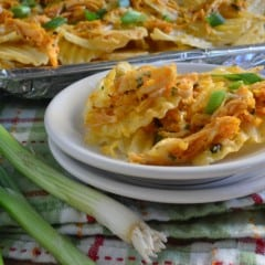 Easy game day snack -- Smothered Buffalo Chicken Chips