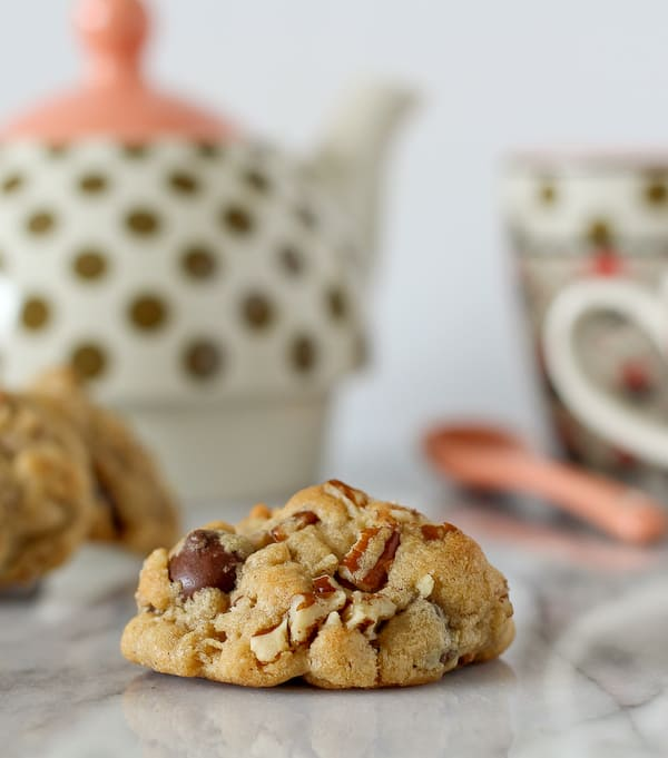 Dark Chocolate and Pecan Cookies