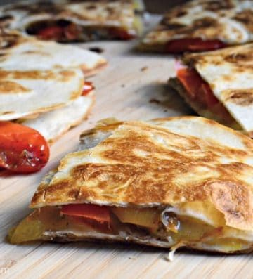 Easy Chicken Fajita Quesadillas