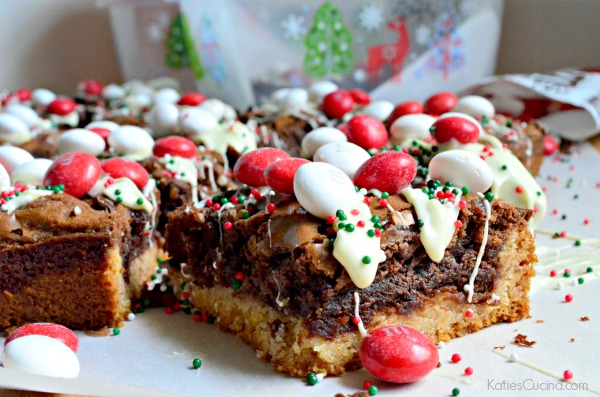 M&M's Black & White Peppermint Brownies #HolidayBaking