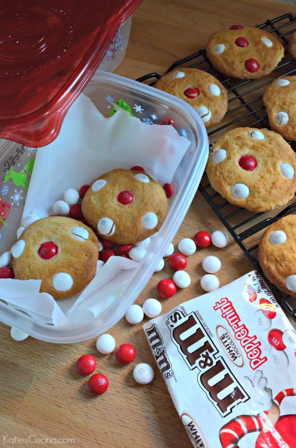 White Chocolate Peppermint Sugar Cookies #holidaybaking