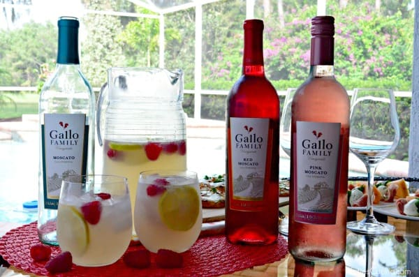 Moscato Lemonade using @GalloFamily Moscato! #MoscatoDay
