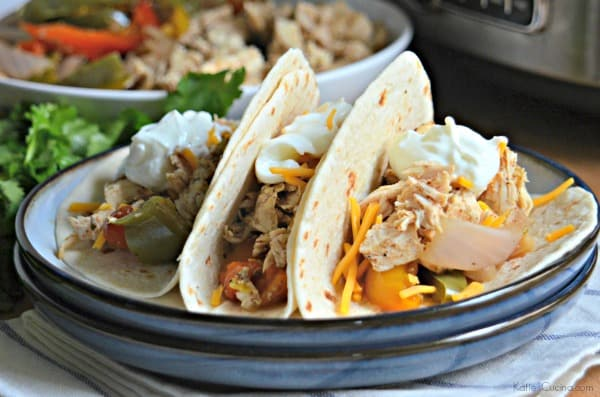 "<a href=""http://www.foodfanatic.com/2015/04/slow-cooker-chicken-fajitas/"">Slow Cooker Chicken Fajitas</a>"