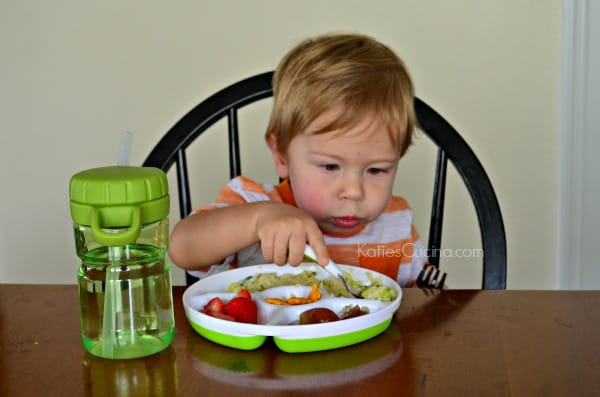 OXO Tot - Using a spoon