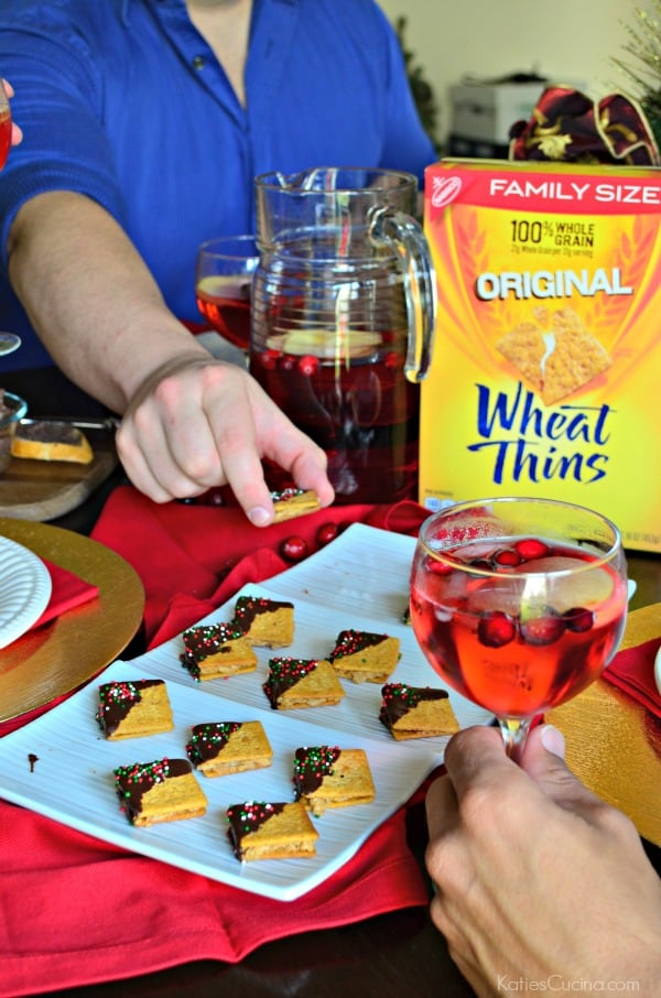 Wheat Thins PB Chocolate Bites Recipe #ad #NabiscoPartyPlanner #BringHomeTheHolidays
