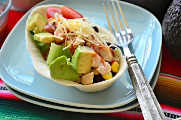 Chicken Soft Taco Bowl Salad Bar #GameDayFavorites #OEPGameDay #ad