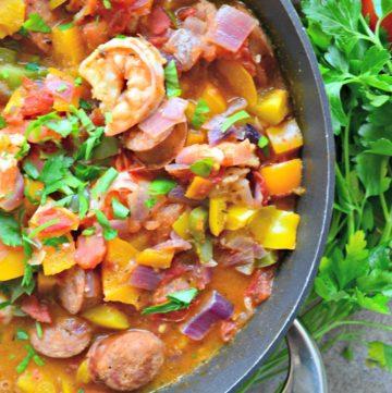 Cajun Shrimp & Andouille Skillet Dinner using @Circulon Cookware! #CirclesForLove #Ad
