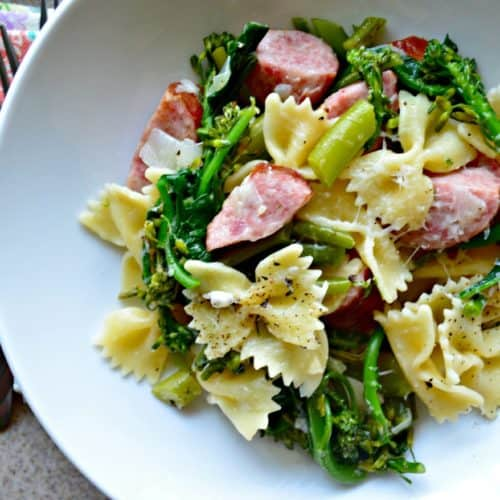 One Pot Kielbasa & Broccoli Pasta