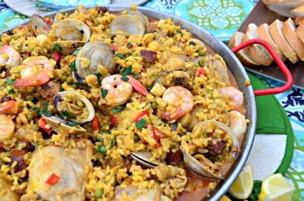 Seafood Paella Party with clams #CelebrateOutdoors