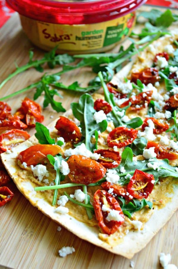 @Sabra Tuscan Herb Hummus Flatbread with Roasted Tomatoes #UnofficialMeal #NationalHummusDay