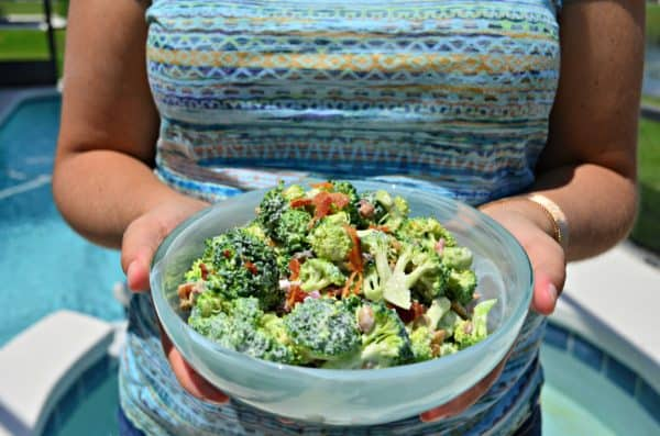 Skinny Greek Yogurt Broccoli Salad #‎SummerCravings‬‪ #‎stonyfieldblogger‬‪ #‎prAna‬ #ad
