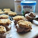Peanut Butter Chocolate Frozen Yogurt Cookie Sandwiches #StonyfieldBlogger