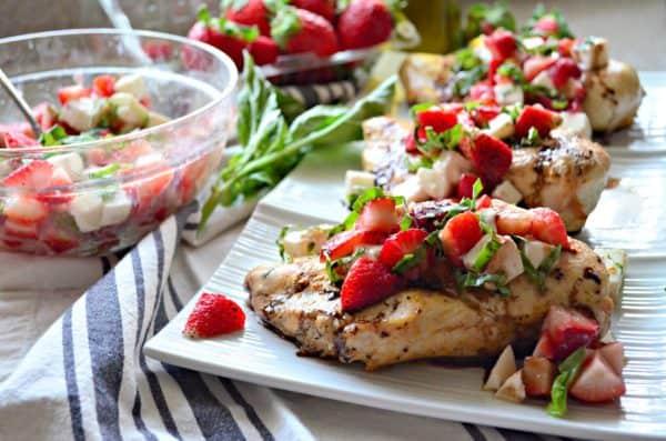 Strawberry Balsamic Grilled Chicken #SundaySupper #FLStrawberry #ad