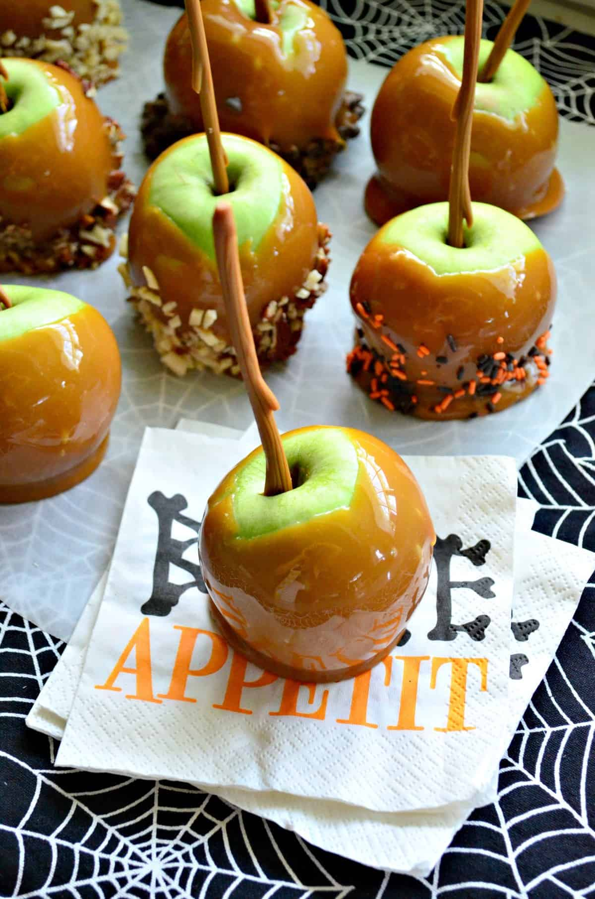 Easy Caramel Apple Recipe Halloweentreatsweek Katie S Cucina