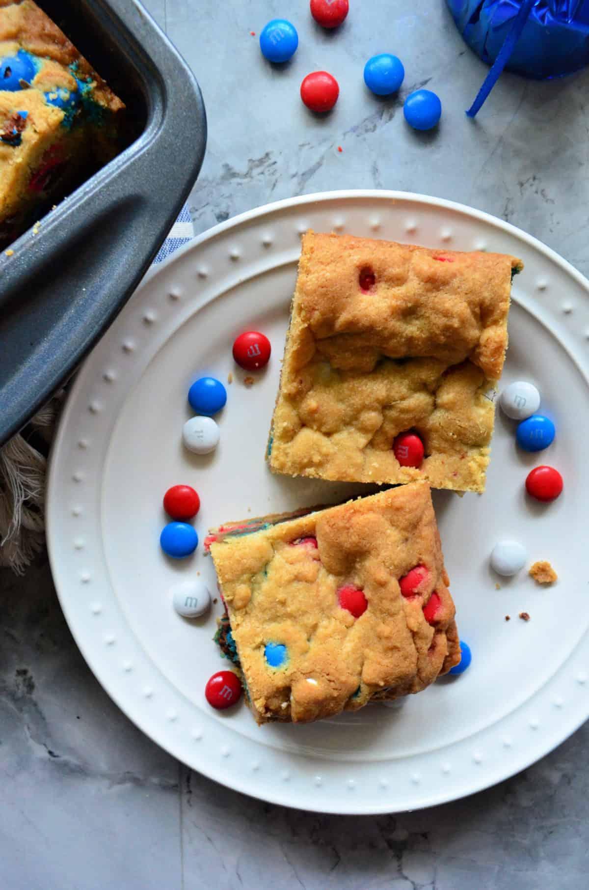 Patriotic M&M Cookie Bars Easy Recipe