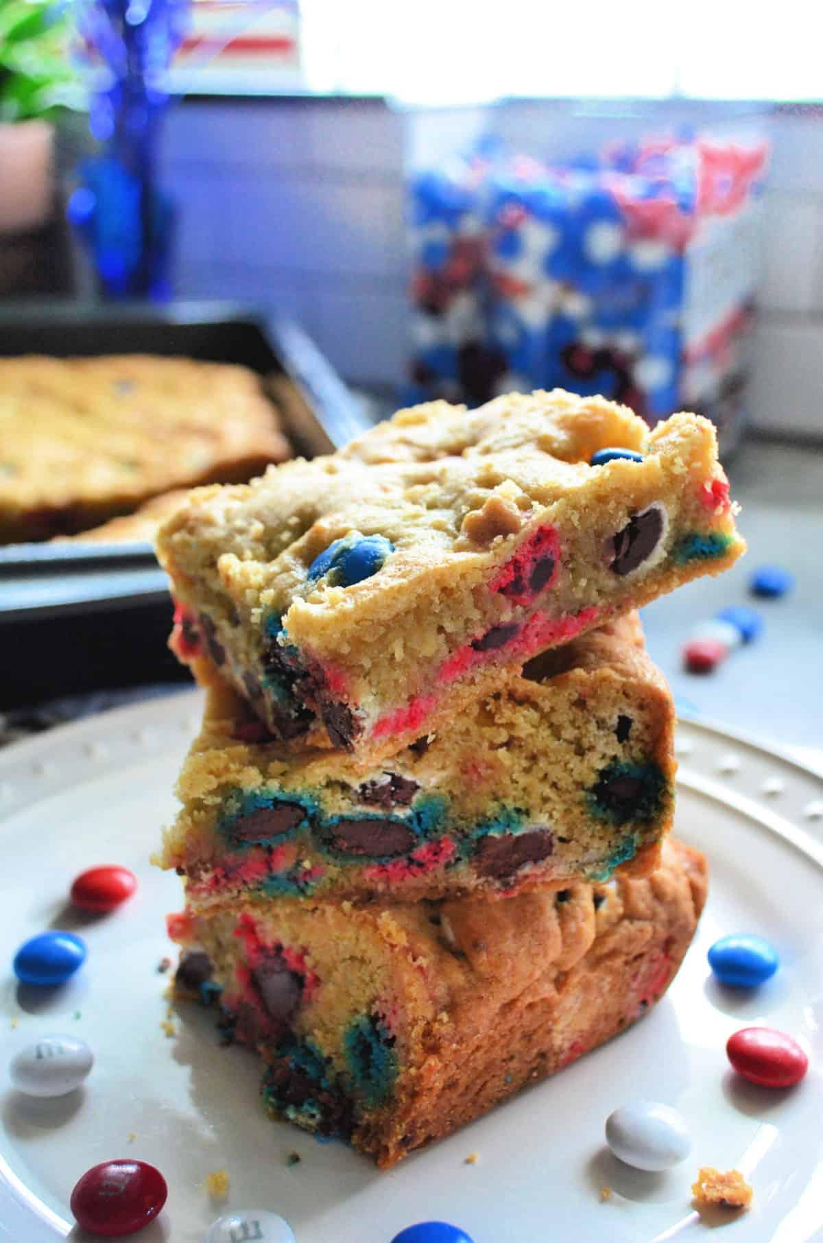 Patriotic M&M Cookie Bars Recipe