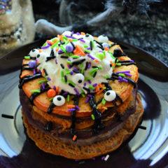 Halloween Monster Buttermilk Pancakes Breakfast Recipe #HalloweenTreatsWeek