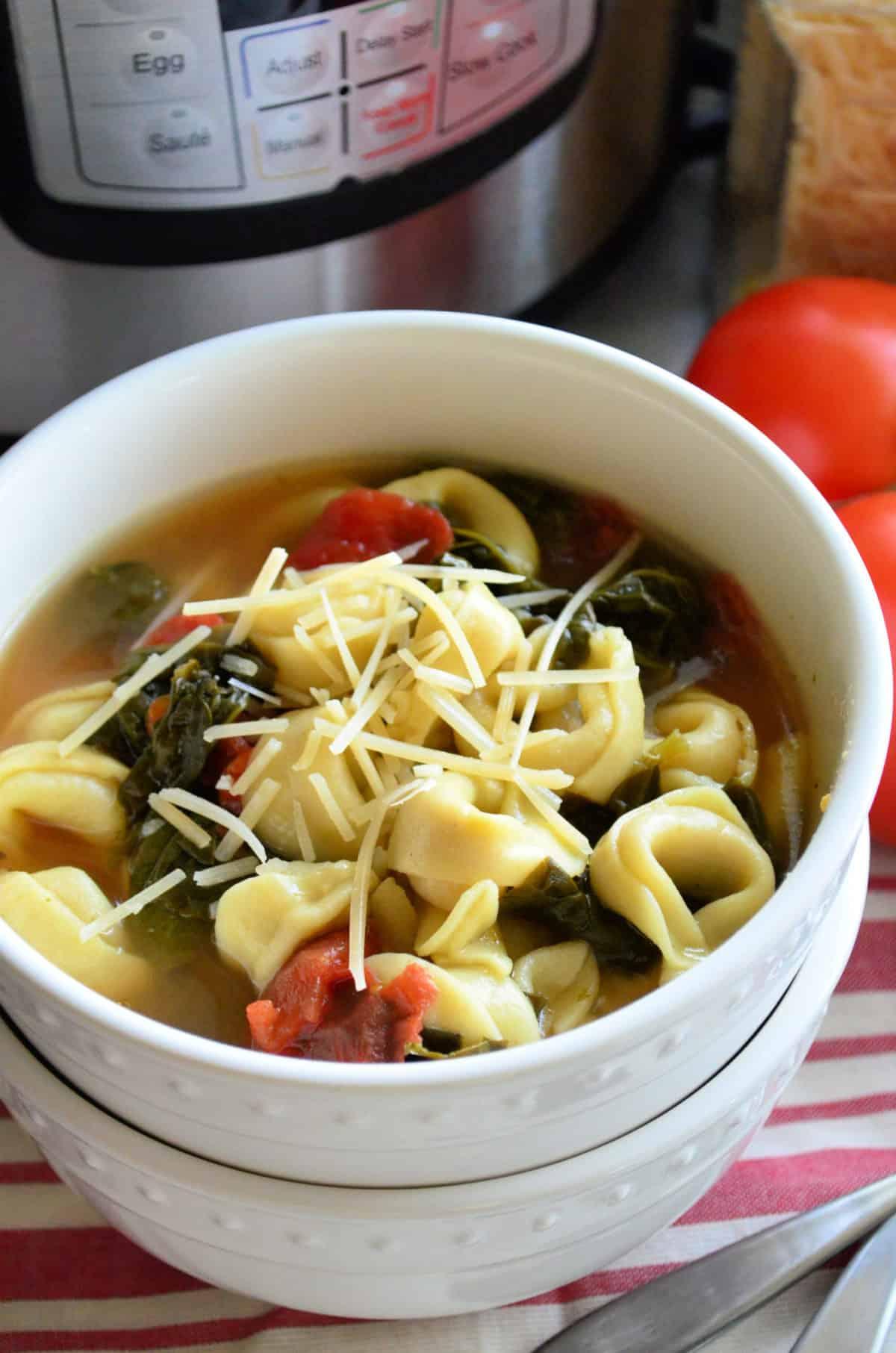 Instant Pot Spinach Tortellini Soup